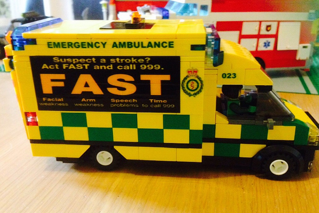 Rescue bricks bespoke lego emergency service vehicles - Lego ambulance ...